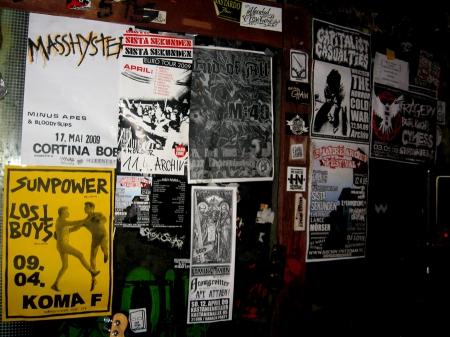 05-04-09-koma-f-posters2